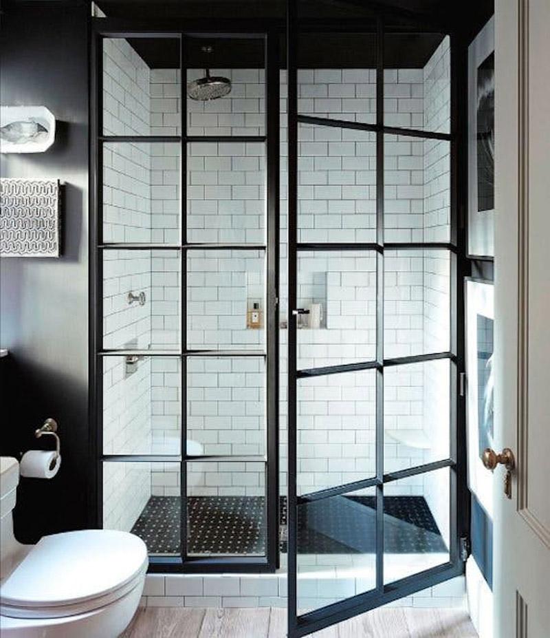 stalen deuren in de badkamer
